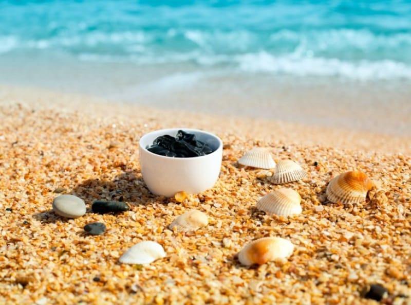 死海に行ったら泥パック体験は必須!