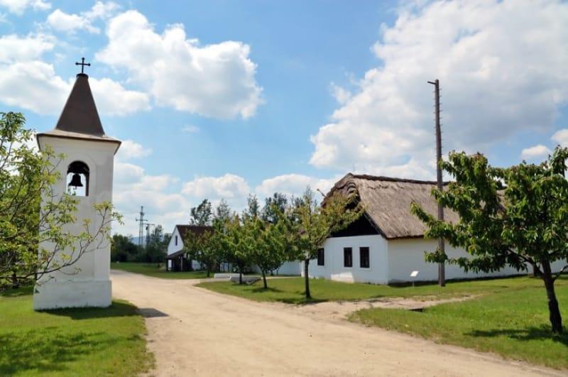 野外民族園で昔のハンガリー体験を