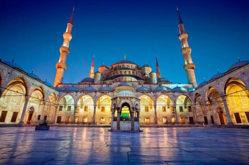 世界で最も美しいモスク『ブルーモスク』