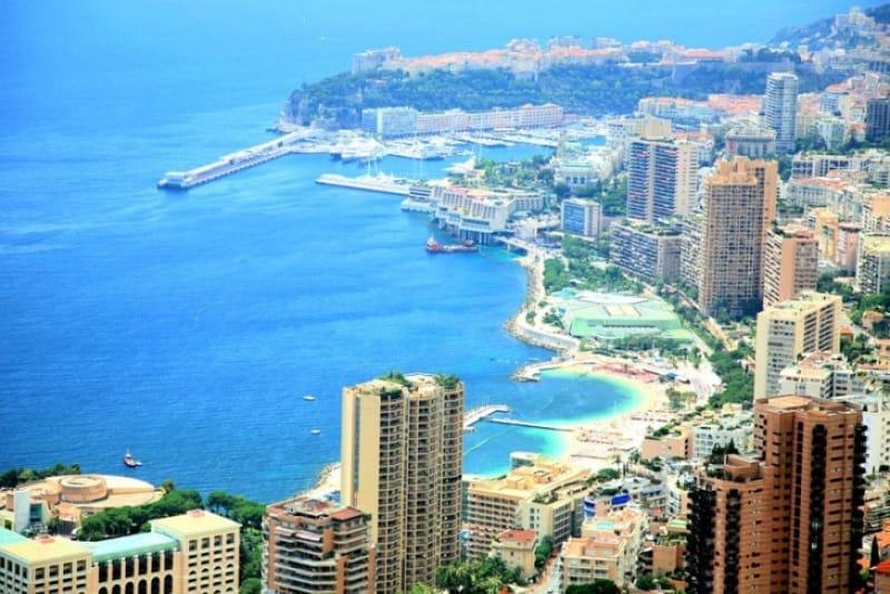 世界中のセレブが集う「地中海の宝石」と称されるリゾート地・モナコ。
