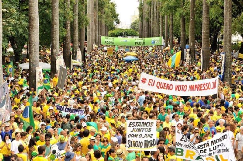 政治腐敗、通貨危機…苦境の続くブラジル経済