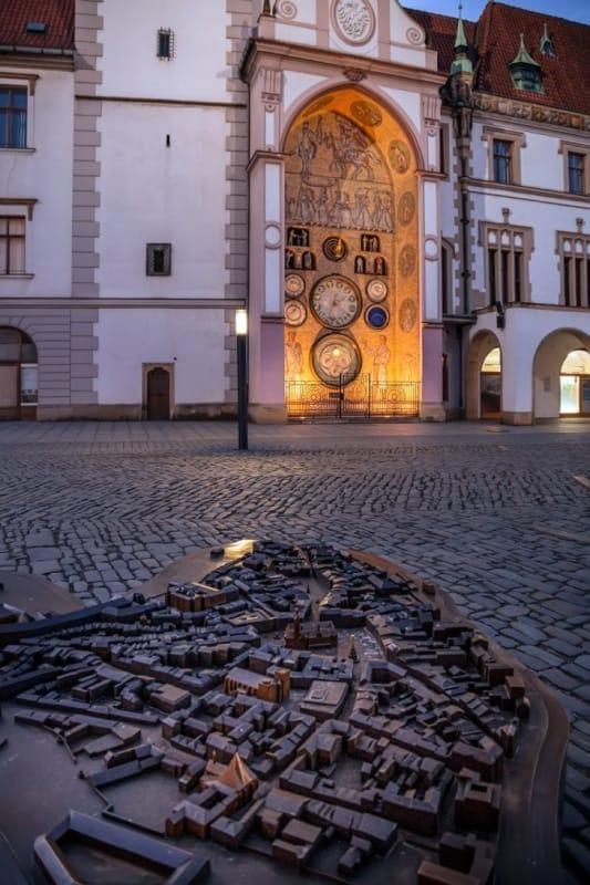 天文時計が必見の市庁舎