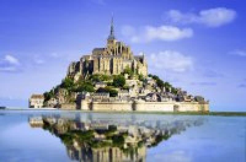 フランス旅行で絶対に訪れたい!「モン・サン・ミシェル修道院」のアクセスや料金、所要時間まとめ | wondertrip