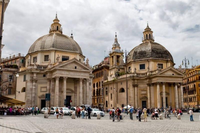 市民に愛される双子「サンタ・マリア・デル・ポポロ教会」
