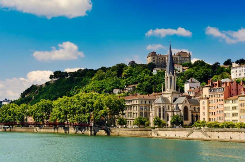 キリスト教の普及と街の発展
