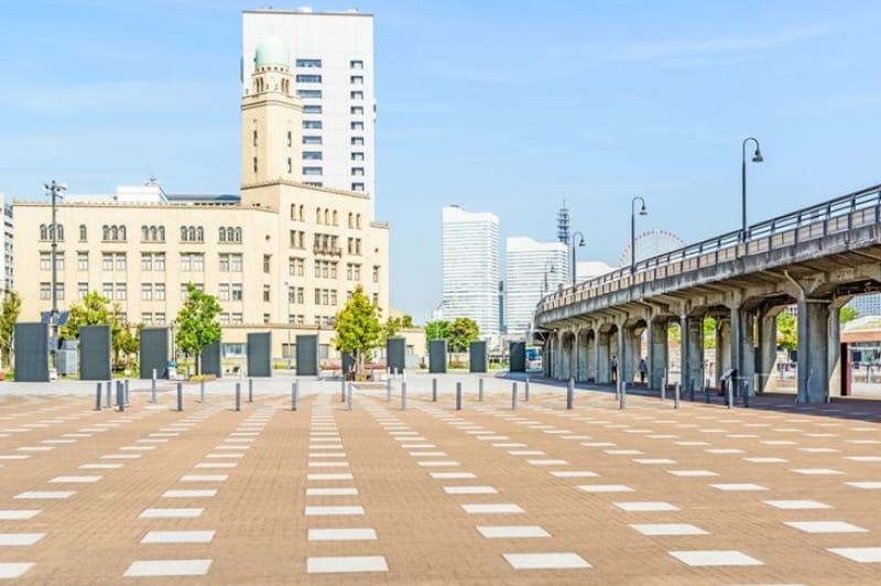 地元グルメも楽しめる・象の鼻パーク(日本大通り駅より徒歩3分)
