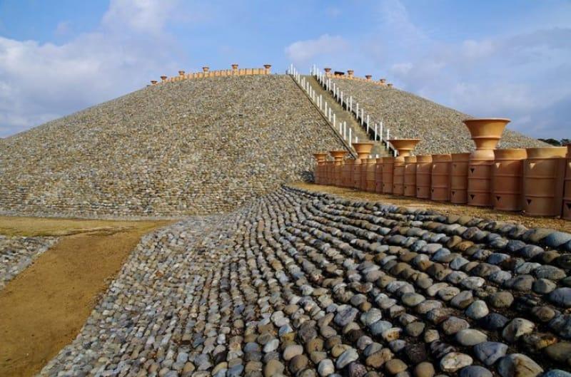 太古の歴史と淡路島を望む五色塚古墳