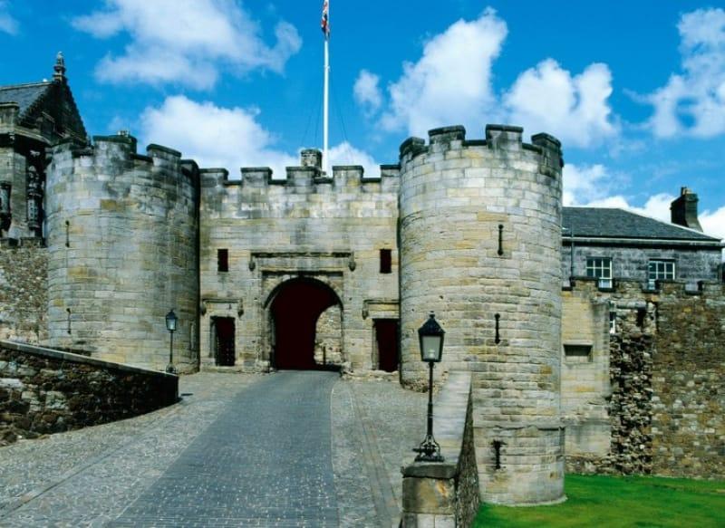 激動の歴史を見続けた城・スターリング城