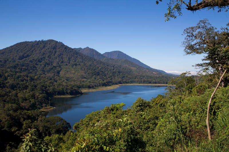 静かな絶景 キンタマーニ高原&バトゥール湖