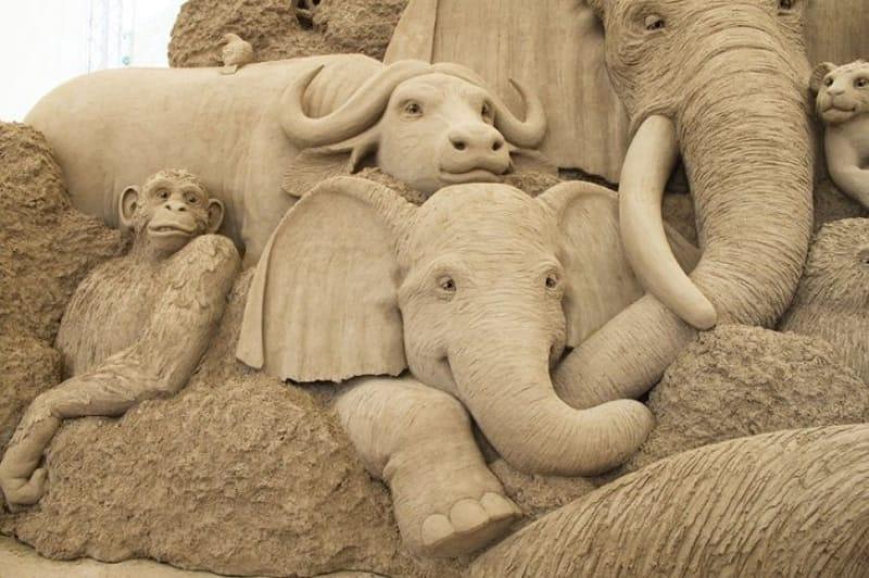 鳥取砂丘と言えば砂の彫刻