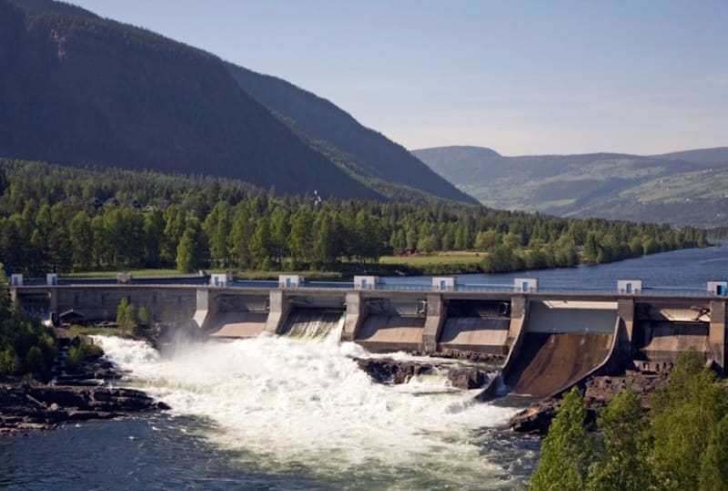 電力プラントであるダムの水力発電