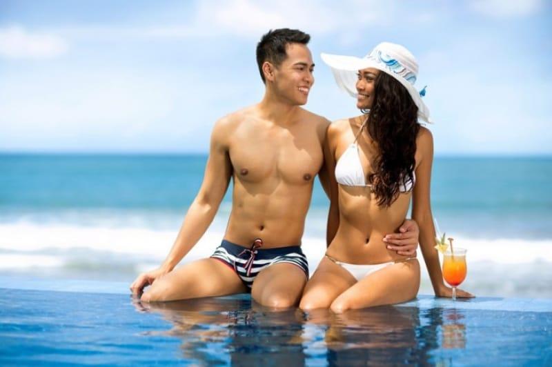 夏の観光シーズンにバリで増える国際カップル