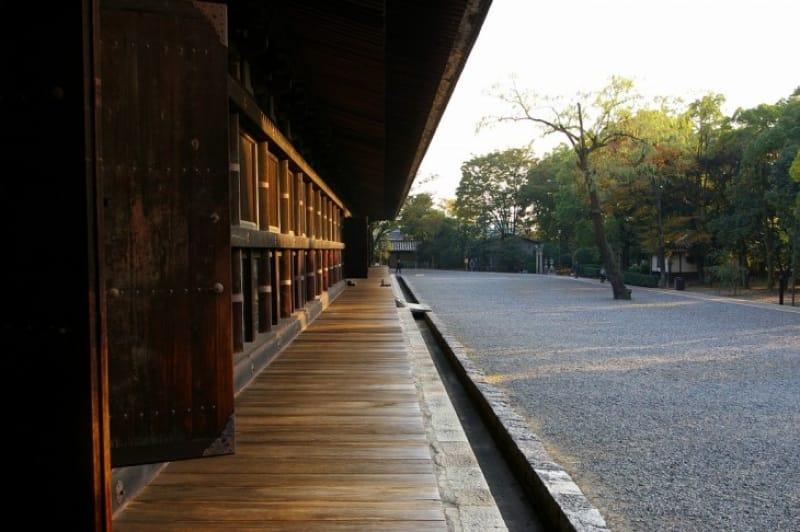 (4)江戸時代の舞台、「通し矢(とおしや)」