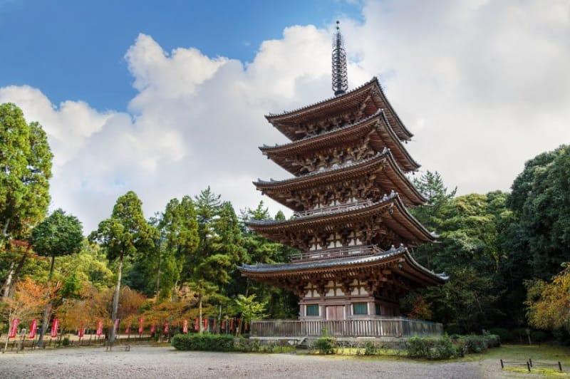 (4)日本最古の空海像が描かれる「五重塔」
