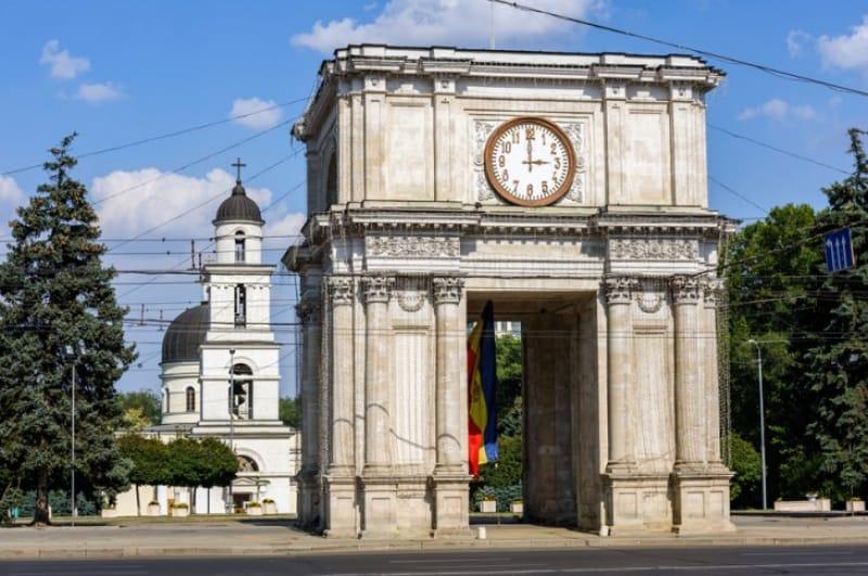 モルドバのミニ凱旋門