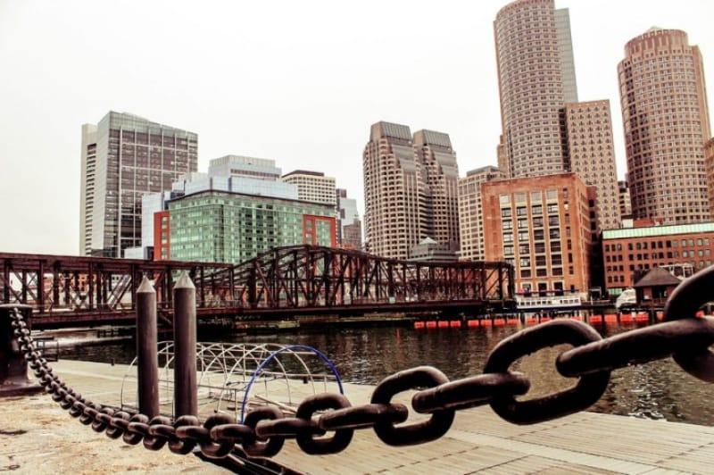 アメリカ独立戦争の起因となったボストン茶会事件