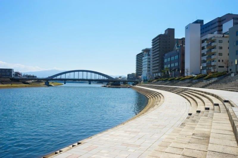 大仁駅のところで狩野川は急カーブします