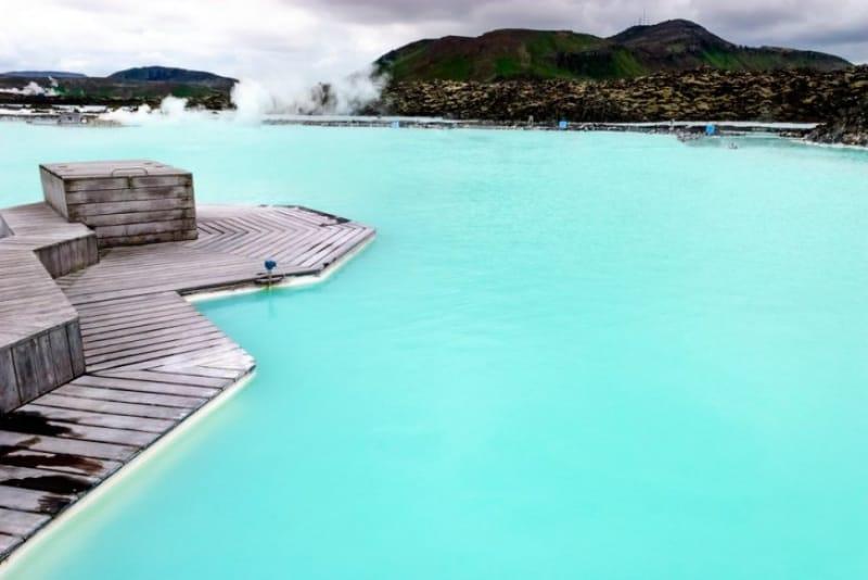 世界最大の温泉施設ブルーラグーンで癒される