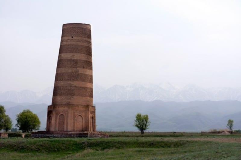 レンガ模様が美しい「ブラナの塔」