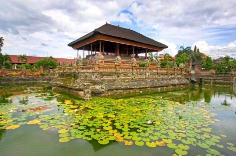 王族たちの休憩所・スマラプラ宮殿