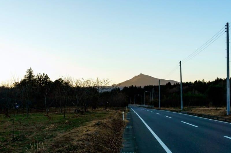 関東平野を望む紅葉・筑波山